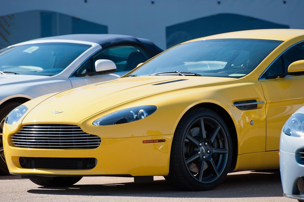 The yellow Vantage. Do I dare take the yellow one?